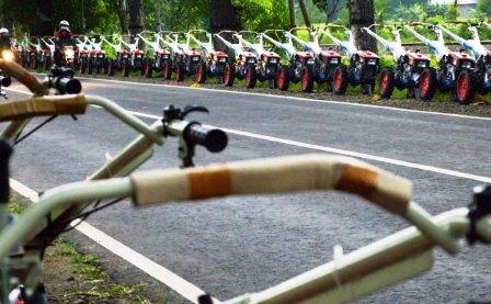 FOTO AGENDA PRESIDEN : Undang 20.000 Tamu, Traktor Digusur