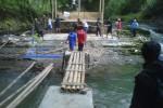 Padepokan Dibongkar karena Berada di Bantara Sungai