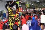 FOTO TAHUN BARU IMLEK : Ada Barongsai di Pusat Grosir Solo