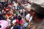 IMLEK 2016 : Jelang Imlek, Kelenteng Magelang Bagikan Sembako