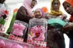 FOTO VALENTINE'S DAY : Cokelat Berkondom Diburu di Kediri