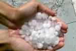 HUJAN ES MADIUN : Wow, Inilah Penampakan Es dari Langit