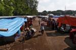 HUJAN DERAS SOLO : Pasar Darurat Klewer Tergenang