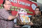FOTO PEMBERANTASAN KORUPSI : Rektor UM Kado Johan Budi Lem Tikus…