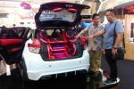 YARIS SHOW OFF : Kandidat King of Yaris Ini Tampil di Surabaya...