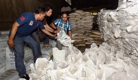 INDUSTRI ILEGAL : Polda Jateng Bongkar Industri Rumahan Pupuk