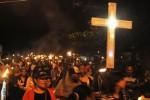 FOTO PASKAH 2015 : Begini Pawai Obor Paskah di Timika