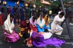 FOTO PASKAH 2015 : Ini Drama Penyaliban Yesus di Surabaya