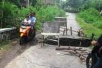 BANJIR WONOGIRI : Jembatan Putus, Warga Dusun Petir Sulit Akses Kantor Desa