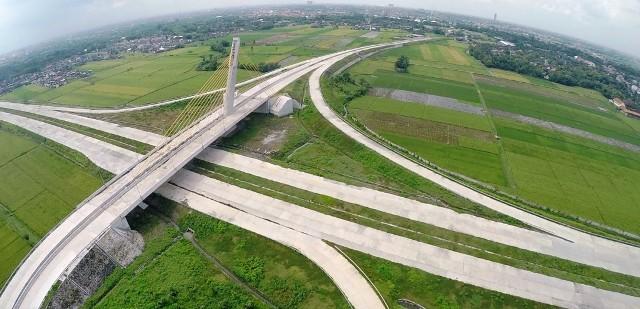 LEBARAN 2015 : Proyek Jalan Belum Usai, Kemacetan Pindah ke Jateng