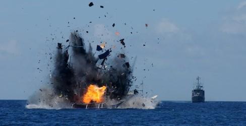 FOTO ILEGAL FISHING : Hari Kebangkitan Nasional, 19 Kapal Dibom