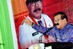 PILKADA SURABAYA : Pakde Karwo Siapkan Tiga Jago Penantang Risma