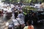SEKATEN 2015 : Macet Bikin Omset Pedagang Pasar Klewer Anjlok