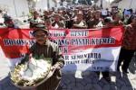 PASAR DARURAT KLEWER : Pasar Sementara di Alut Diadang 6 Masalah Ini
