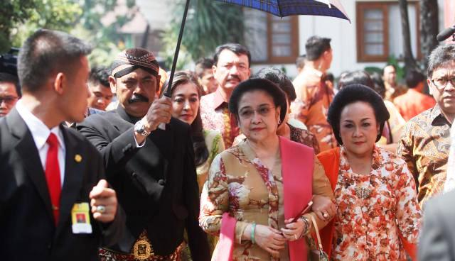 RESHUFFLE KABINET JOKOWI : Megawati Tahu Menteri yang Bakal Dibuang Jokowi