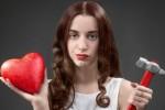 TIPS CINTA : Wanita Kuat Pasti Tidak Mengemis Cinta