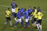 COPA AMERICA 2015 : Laga Ricuh, Rodriguez Ikut Tenangkan Neymar