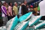 FOTO PDAM SALATIGA : 150 Tukang Becak Salatiga Dapat Sembako