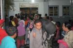 Para pemudik yang menumpang Kereta Bengawan tiba di Stasiun Klaten, Senin (13/7/2015) malam.(Taufiq Sidik Prakoso/JIBI/Solopos)