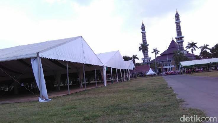 MUKTAMAR NU : Tenda-Tenda Siap Sambut 15.000 Muktamirin