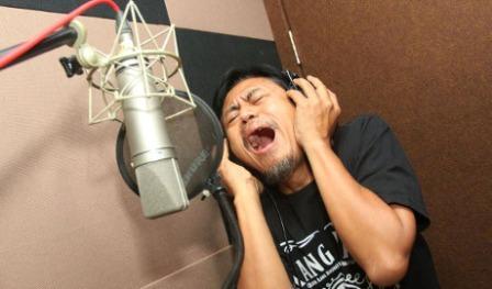 "LAGU BARU : ""Kang Mus"" Rilis Lagu Khusus untuk Pria Jelek"