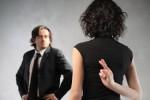 7 Cara Mengenali Si Pembohong