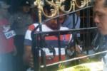PEMBUNUHAN MADIUN : KDRT Maut Guru SMPN Madiun Direkonstruksi, Warga Berjubel