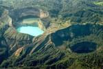 KISAH MISTERI : Mitosnya, Jika Air Dua Danau Ini Bersatu Dunia Kiamat