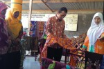 BATIK KARANGANYAR : Begini Kala Durian dan Manggis Jadi Motif Batik