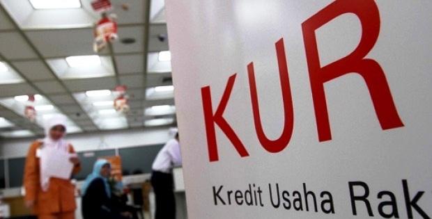 Dear Bankir! Airlangga Tantang Kredit UMKM Naik Sampai 35%, Berani?