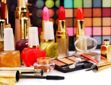Riset Ungkap Bahan Kimia dalam Make Up Picu Kematian di AS, Benarkah?