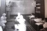 SEKOLAH RUSAK : Tak Punya Ruang Kelas, Siswa SD di Karangtengah Wonogiri Terpaksa Lesehan