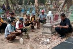 KECELAKAAN NGANJUK : Makam Korban Tersambar KA Dibongkar, Identitasnya Terungkap