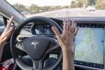 MOBIL BARU TESLA : Tesla Bikin Mobil Listrik Terbatas Edisi Imlek