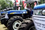 Foto Alsintan Bantuan Dibagi di Jombang