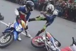 "BALAP MOTOR : Pembalap Baku Hantam di Lintasan, Paguma Sebut ""Indonesia Banget!"""