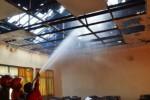 KEBAKARAN MADIUN : Gedung Universitas Merdeka Dijilat Api