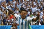 KUALIFIKASI PIALA DUNIA : MU Minta Argentina Tak Sertakan Marcos Rojo