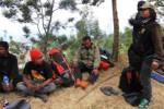KEBAKARAN LAWU : Basarnas Hentikan Operasi SAR, 8 Pendaki Bertahan di Puncak
