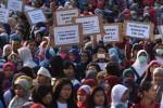 UMK 2016 : Buruh Demo, Menaker Tolak Revisi PP Pengupahan