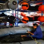 FOTO ANTISIPASI BENCANA : Petugas BPBD Kudus Rawat Alat Penanggulangan Bencana