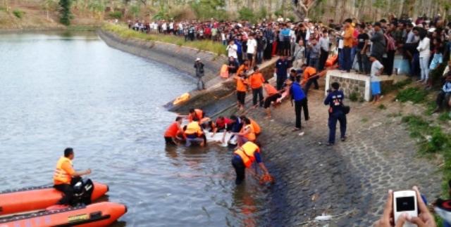 WARGA TENGGELAM : Pelajar SMKN 1 Kota Madiun Tenggelam di Waduk Segaran seusai Berlatih Silat