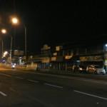 Lampu penerangan jalan umum (PJU) yang dipasang di jembatan layang atau flyover Palur, Jaten, Karanganyar menyala pada Kamis (24/12/2015). (Sri Sumi H/JIBI/Solopos)