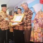 PEMBERANTASAN KORUPSI : Jateng Dapat Penghargaan KPK Award 2015