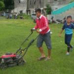 PSIS SEMARANG : Demi Anak-Anak SSB, Legenda Hidup PSIS Ini Rela Bersihkan Rumput Lapangan