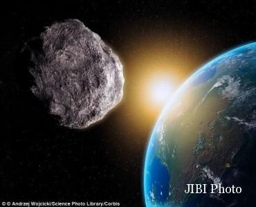 Asteroid Jatuh ke Bumi (Dailymail)