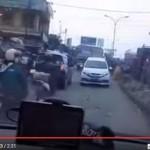 TRENDING SOSMED: Heboh, Mobil Ini Lawan Arus Tapi Dibela Polisi
