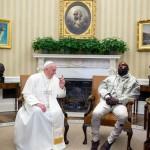 TRENDING SOSMED : Ngakak! Ini Kumpulan Meme Lucu Kanye West Ketiduran