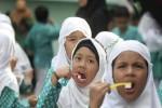 KESEHATAN ANAK GUNUNGKIDUL : Pelajar SD Diajari Gosok Gigi