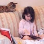KISAH UNIK : Gara-Gara Kucing, Gadis Autis Ini Akhirnya Bisa Bicara